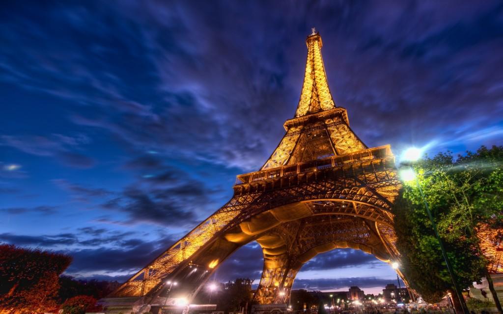 Панорама Парижа в 3D. 6 панорам